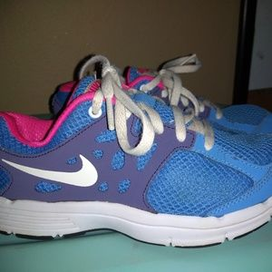 Nike Girls Size 1Y Shoes